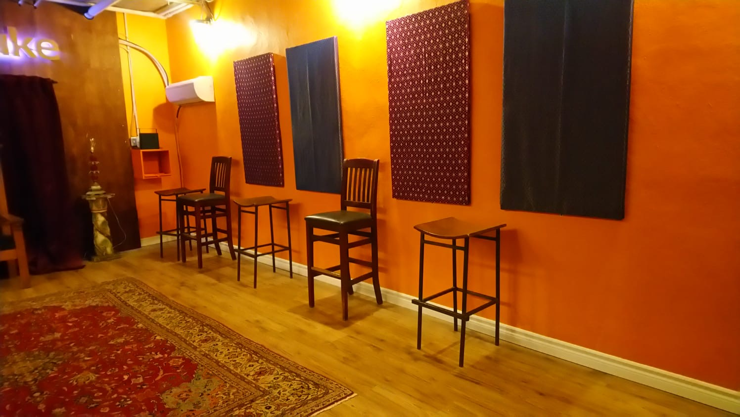 Roncesvalles-area studio is a well-equipped event space which doubles as a recording studio and triples as a video production studio